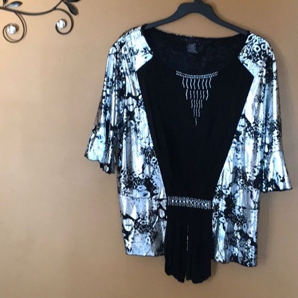 Tops - Brand new blouse/shirt glittery with rhine stones